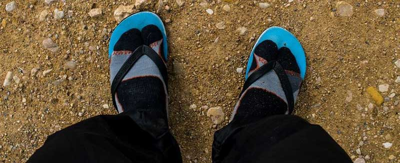 walking-with-jandals-on-the-camino