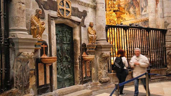 holy-door-santiago-de-compostela-3