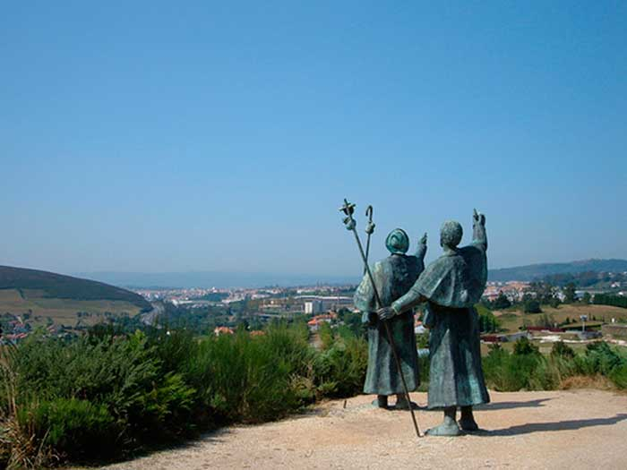 PILGRIM STATUES AND MONUMENTS ON THE CAMINO001