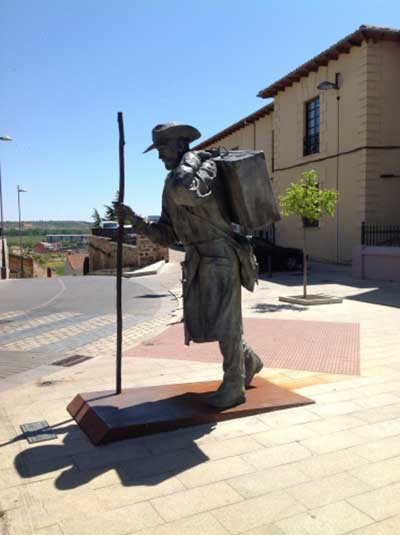 PILGRIM STATUES AND MONUMENTS ON THE CAMINO004